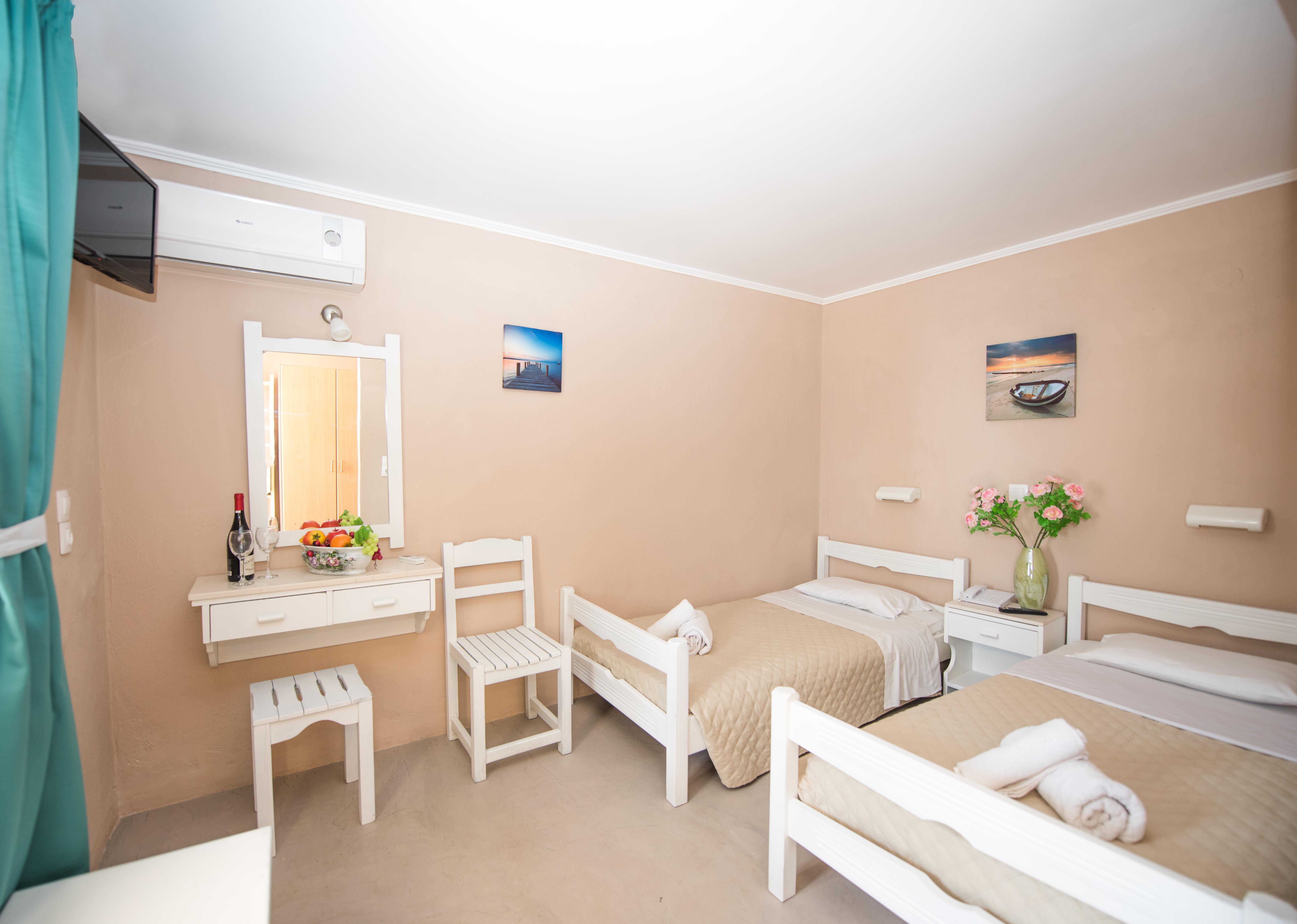 Holidays at Mega Hotel in Ipsos, Corfu