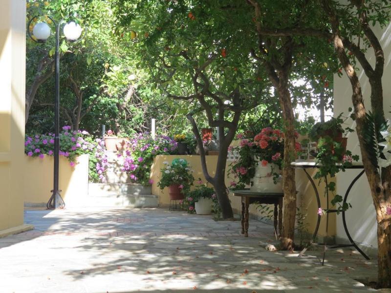 Holidays at La Luna Apartments in Stalis, Crete