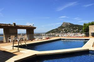Holidays at Nautic Apartments in Estartit, Costa Brava