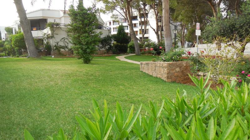 Tres Carabelas Apartments