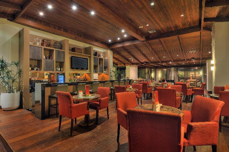 Deville Salvador Hotel