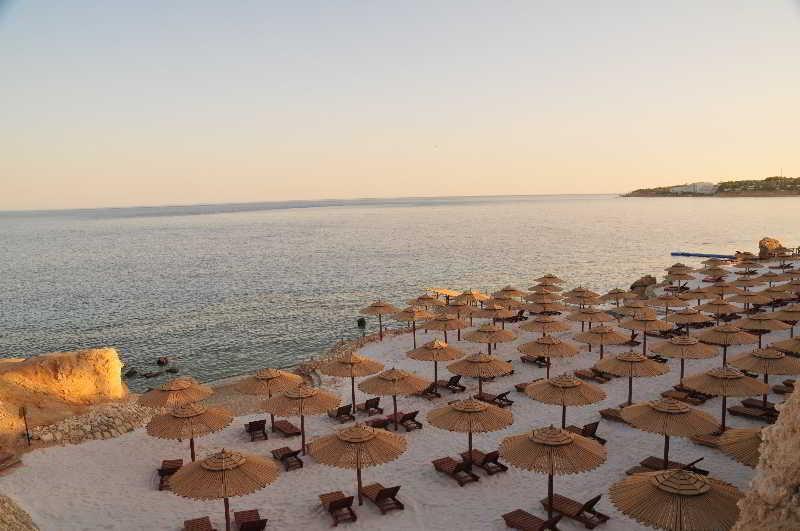Holidays at Nesco Waves Hotel in Sharks Bay, Sharm el Sheikh
