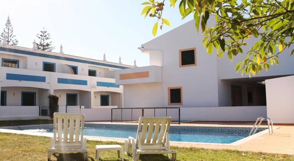 Holidays at Oasis Beach Apartments in Praia da Luz, Algarve