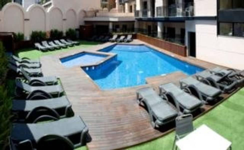 Holidays at Trimar Apartments in Lloret de Mar, Costa Brava