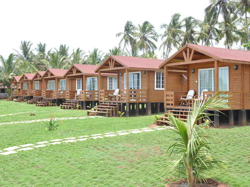 Holidays at Ozran Heights Beach Resort in Goa, India
