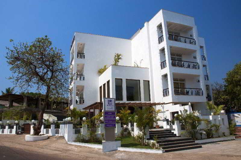 goa beach holidays goa bhk living room   Living Room Goa Hotel, Goa, India. Book Living Room Goa ...