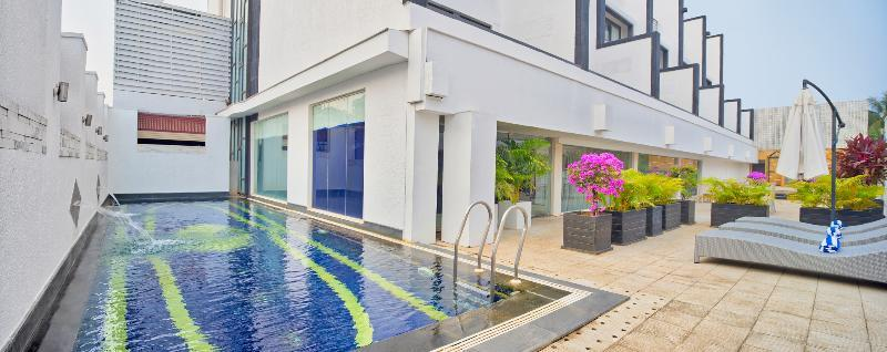 Holidays at Lhotel Eden in Dona Paula, Goa