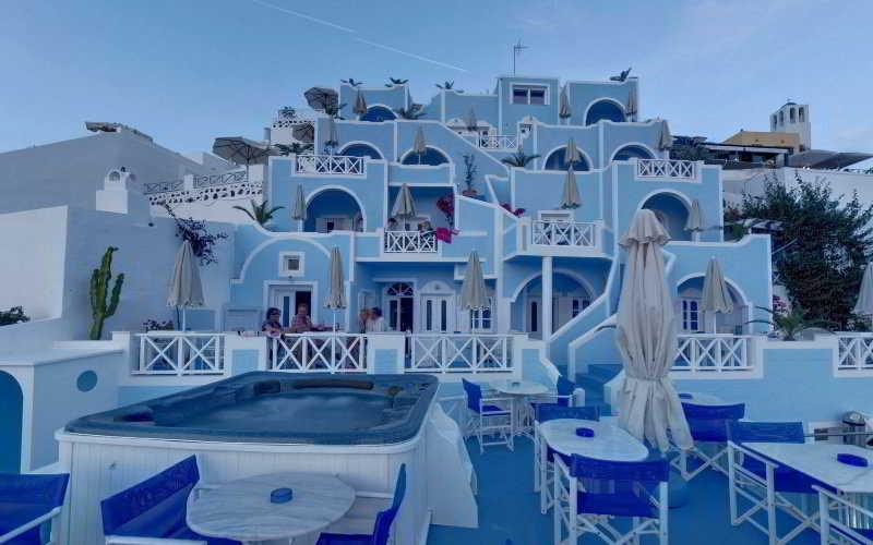 Holidays at Kafieris Blue Apartments in Firostefani, Santorini