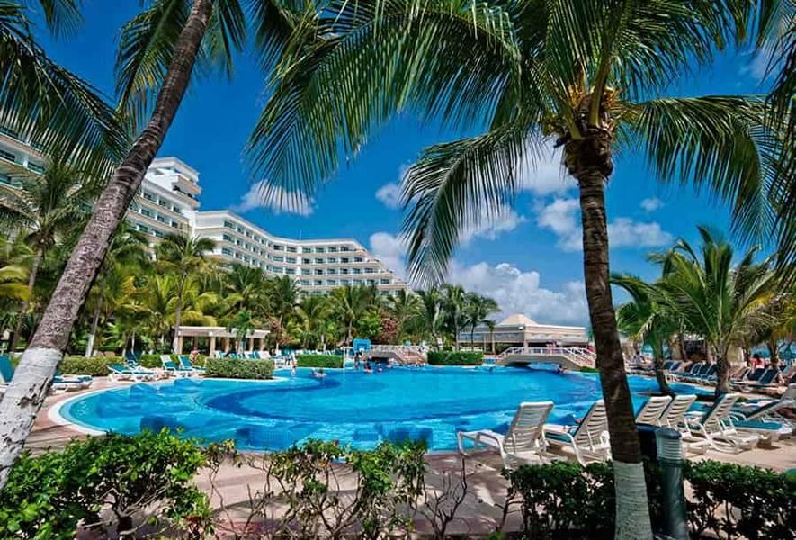 Holidays at Riu Caribe Hotel in Cancun, Mexico