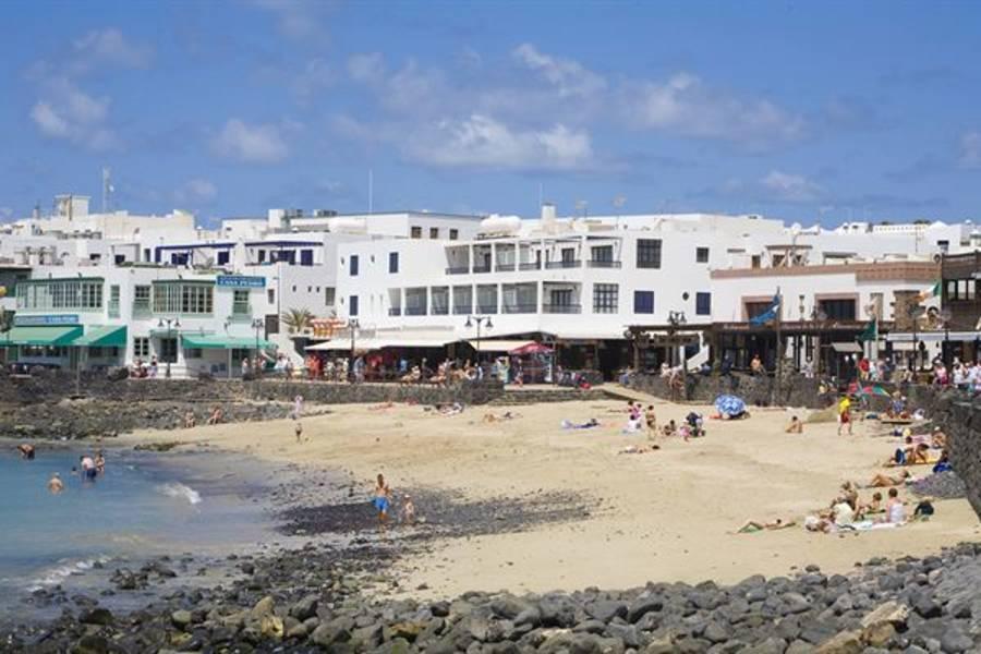 Holidays at La Avenida Apartments in Playa Blanca, Lanzarote