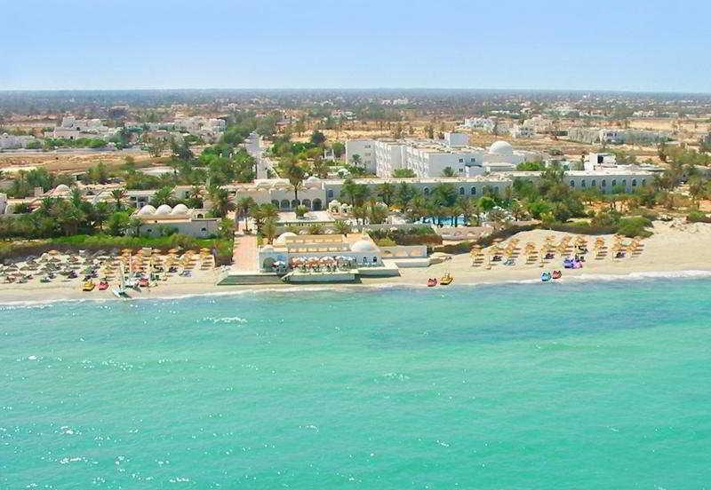 Holidays at Les Sirenes Beach Hotel in Djerba, Tunisia