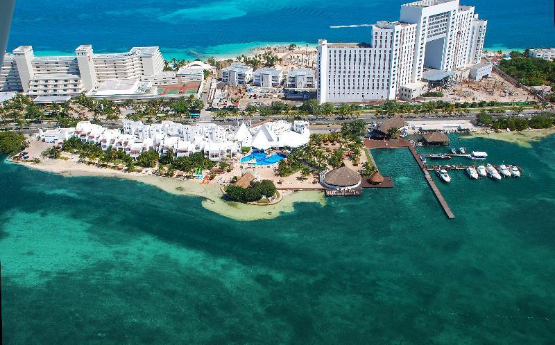 Holidays at Sunset Marina Resort and Yacht Club in Cancun, Mexico