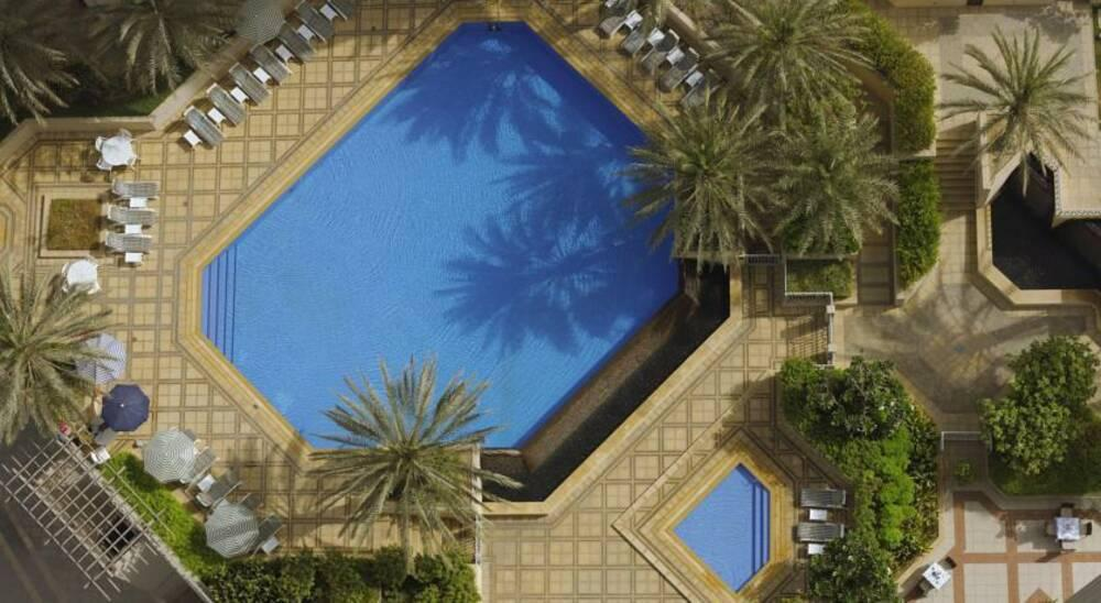 Ramada downtown dubai hotel dubai united arab emirates for Best hotels in downtown dubai