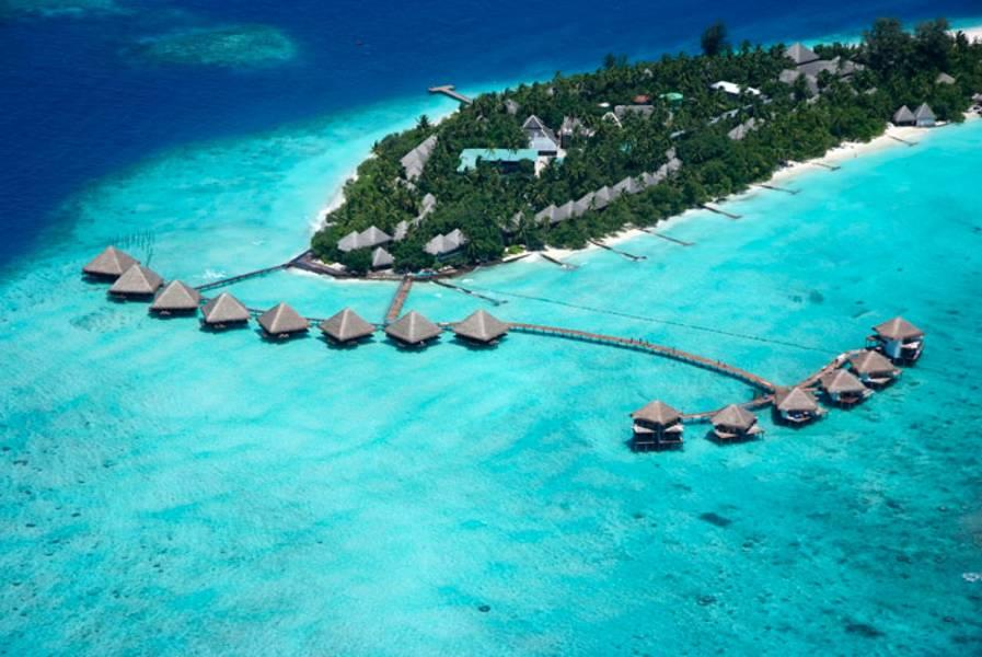 Holidays at Adaaran Club Rannalhi Hotel in Maldives, Maldives