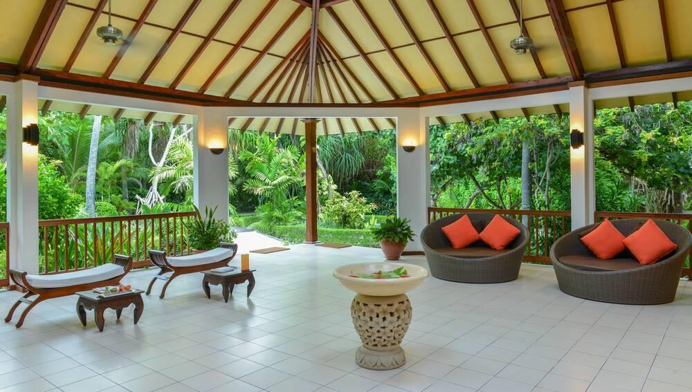 Holidays at Adaaran Select Meedhupparu Hotel in Maldives, Maldives