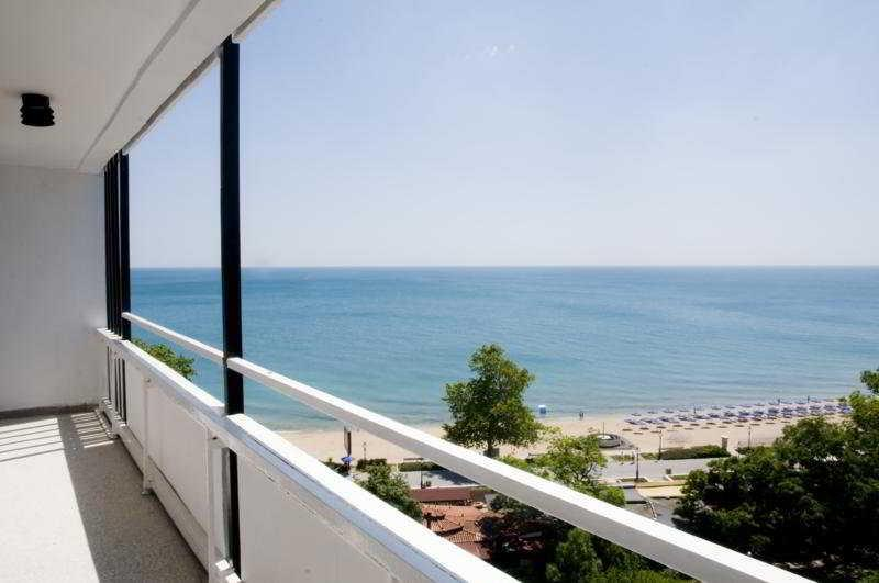 Holidays at Astoria Hotel in Golden Sands, Bulgaria