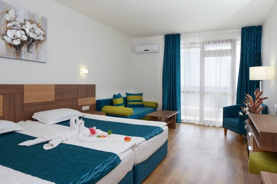 Holidays at Paradise Beach Hotel in Sveti Vlas, Bulgaria