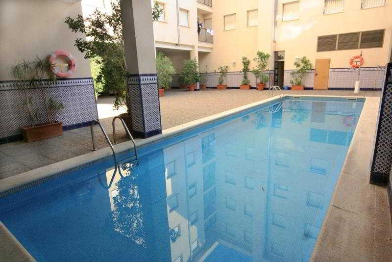 Holidays at Grekus Apartments in Cambrils, Costa Dorada