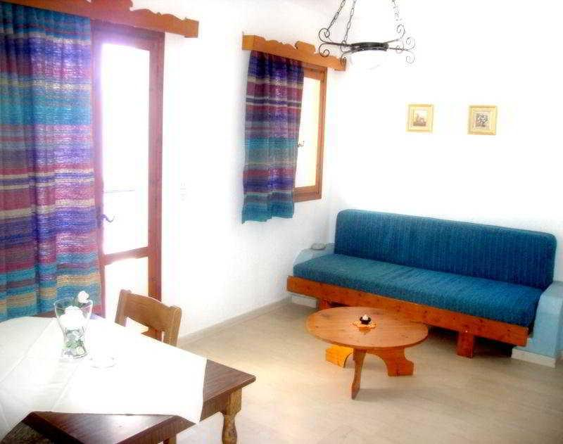Holidays at Mantraki Apartments in Aghios Nikolaos, Crete