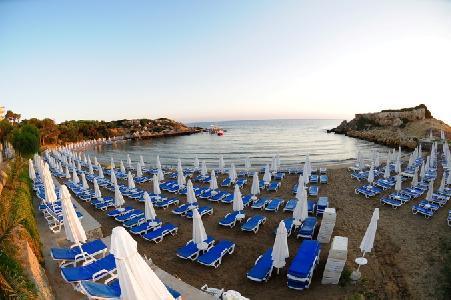 Holidays at Denizkizi Hotel in Kyrenia, North Cyprus