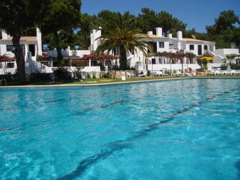 Holidays at Honorio Apartments in Quarteira, Algarve