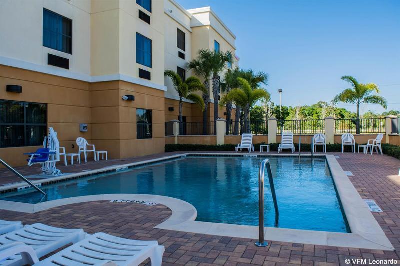 Holidays at Comfort Suites Hotel in Vero Beach, Florida