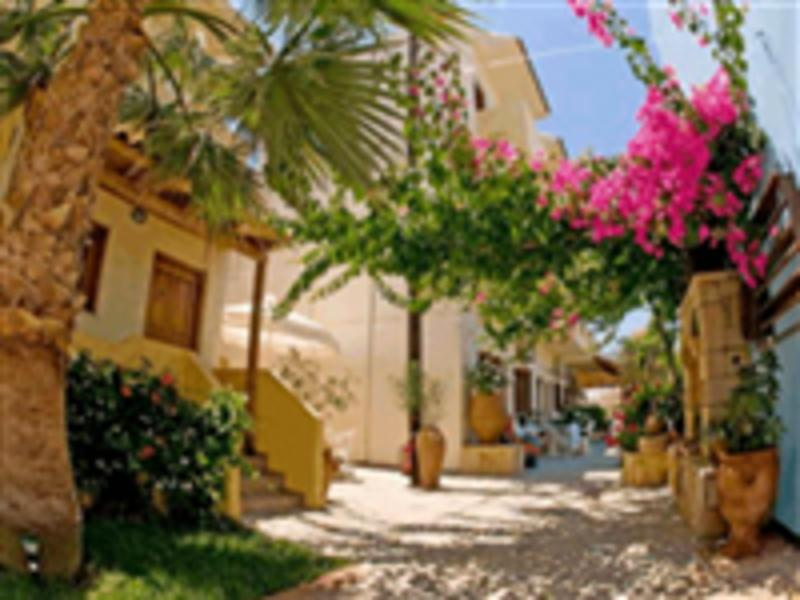 Holidays at Lia Apartments in Kato Stalos, Chania