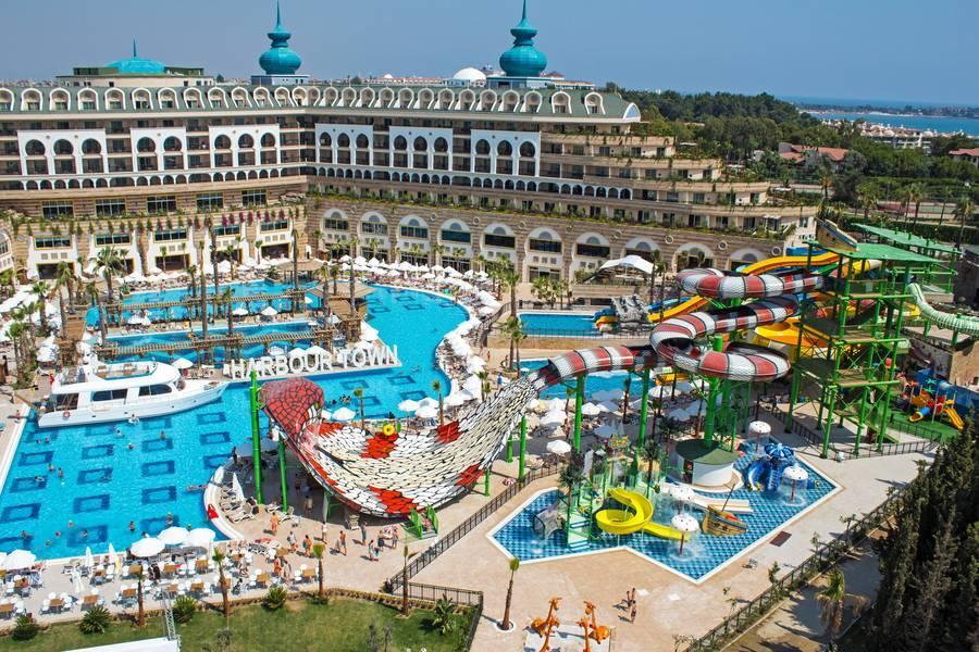 Holidays at Crystal Sunset Luxury Resort in Kumkoy Side, Side