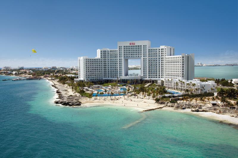 Holidays at Riu Palace Peninsula Hotel in Cancun, Mexico