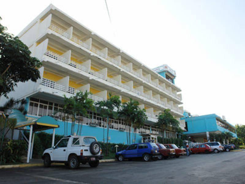 Holidays at Kohly Hotel in Havana, Cuba