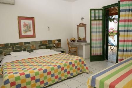 Holidays at Aquarius Apartments in Aghia Pelagia, Crete