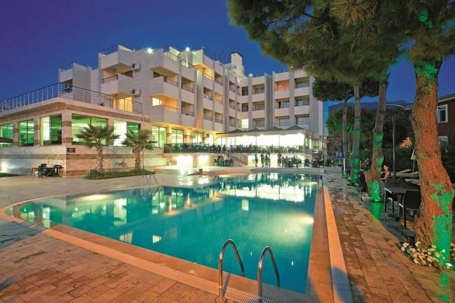 Holidays at Akbulut Hotel in Guzelcamli, Kusadasi Region