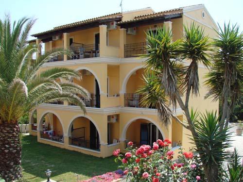 Holidays at Spiti Nikos Studios and Apartments in Gouvia, Corfu