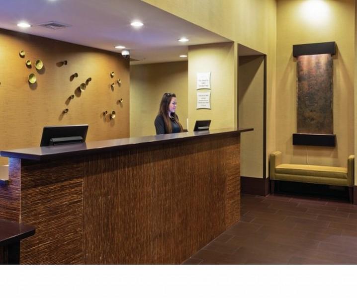 La Quinta Inn and Suites Las Vegas Tropicana