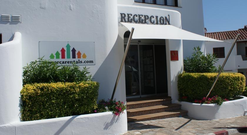 Holidays at Villas Finesse I in Son Bou, Menorca