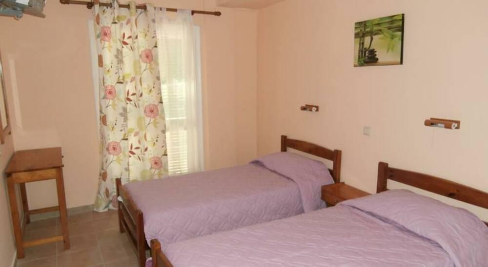 Holidays at River Studios and Apartments in Messonghi, Corfu