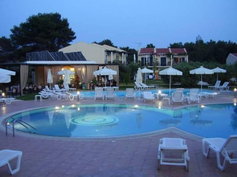 Holidays at Silo Hotel Apartments in Lassi, Kefalonia