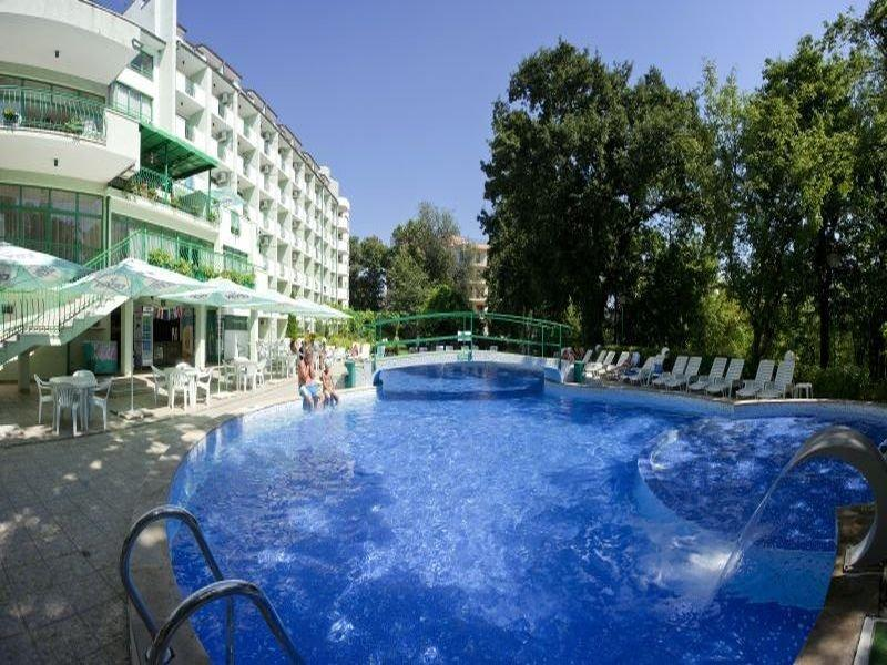 Holidays at Zdravets Hotel in Golden Sands, Bulgaria