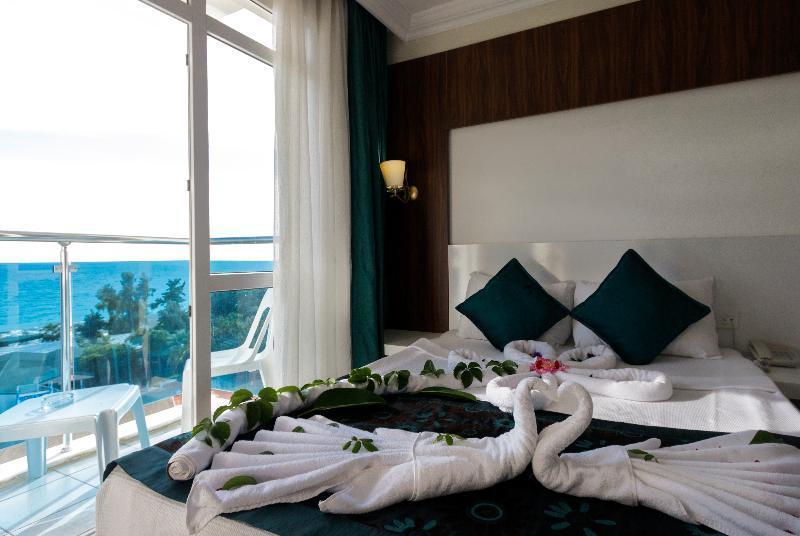 Holidays at Akin Paradise Hotel in Okurcalar, Antalya Region