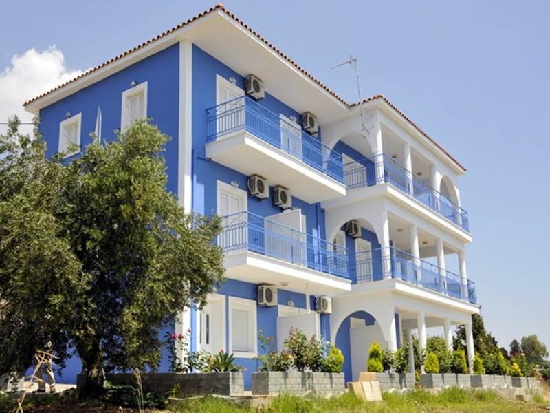 Holidays at Folies Apartments in Lourdas, Kefalonia