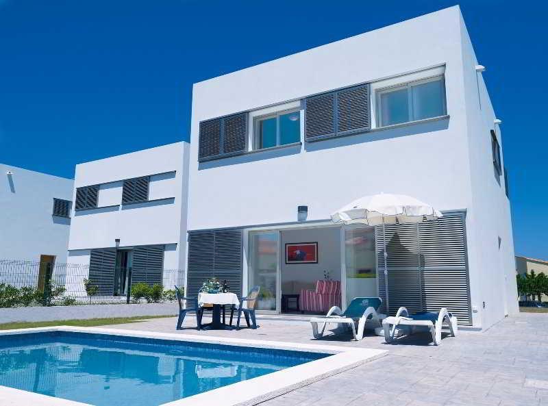 Holidays at Marinda Villas in Cala'n Bosch, Menorca