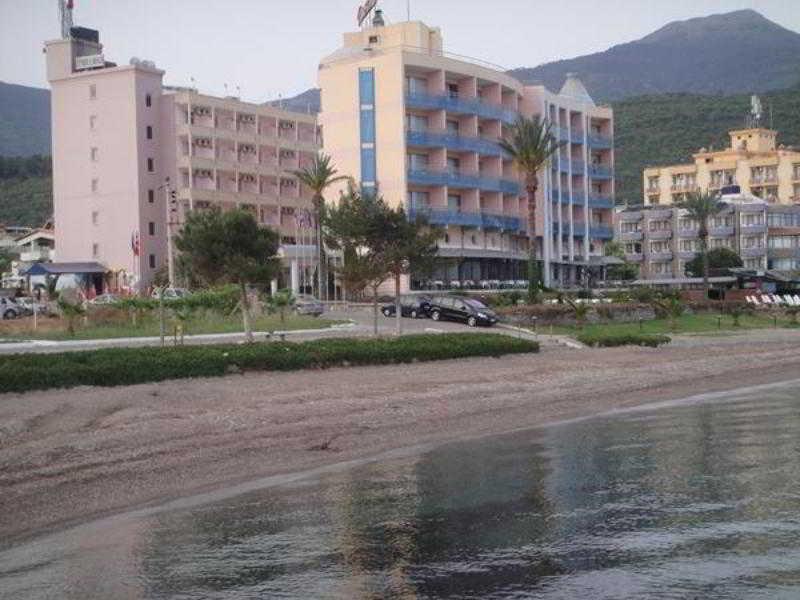 Kalamaki Beach Hotel