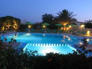 Holidays at Androulakis Apartments in Gerani Chania, Chania