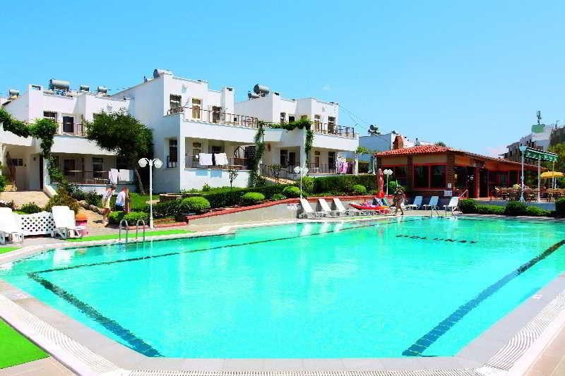 Holidays at Dolunay Apartments in Altinkum, Bodrum Region