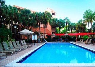 Holidays at Quality Inn & Suites Airport Cruise Port South in Hollywood Beach, Fort Lauderdale