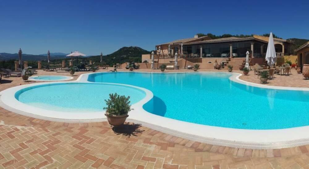 Holidays at Parco Degli Ulivi Hotel in Cannigione, Sardinia