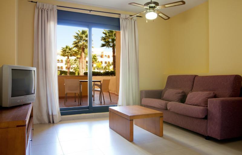 Playamarina apartments isla canela costa de la luz for 15 maher terrace sunshine beach