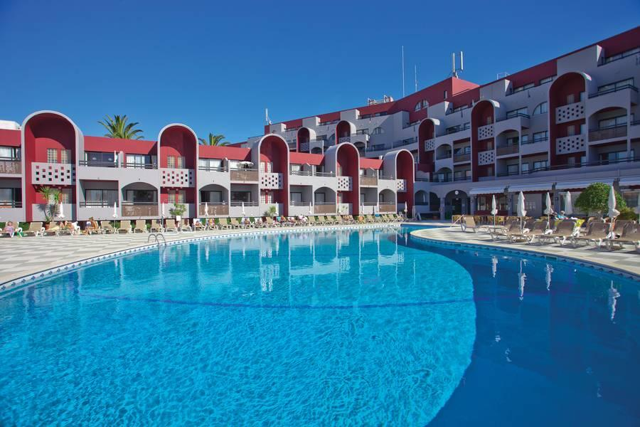 Holidays at Muthu Oura Praia Hotel in Albufeira, Algarve