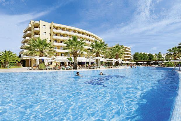 Holidays at Allsun Orient Beach Hotel in Sa Coma, Majorca