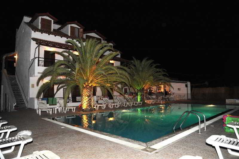 Holidays at Captains Studios and Apartments in Kavos, Corfu